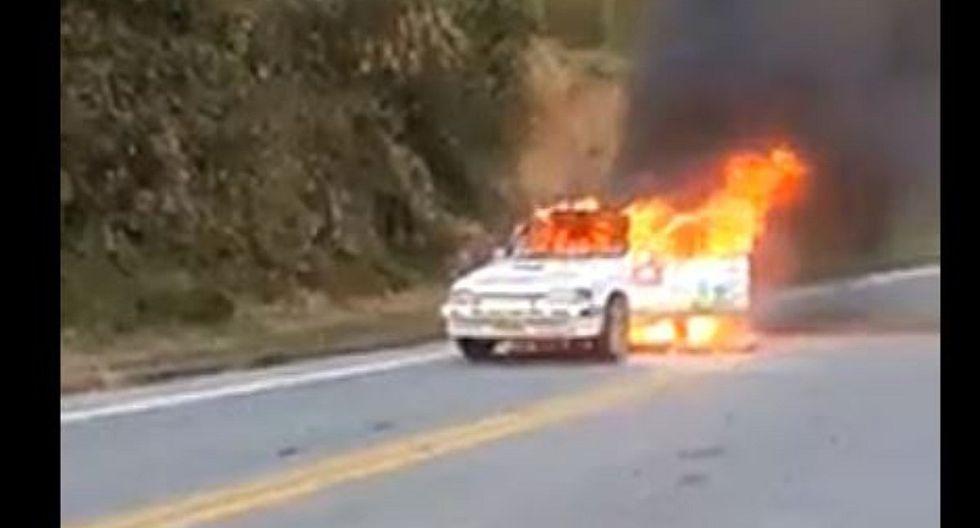 Caminos del Inca 2019 | Auto de uno de los competidores se incendia por completo | VIDEO