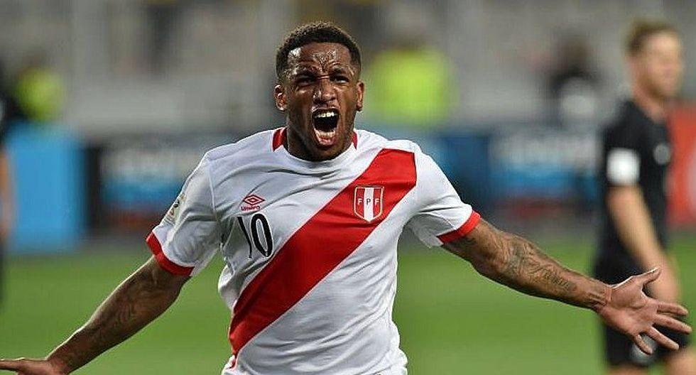 Jefferson Farfán fue retratado dedicando gol a Paolo Guerrero [FOTO]